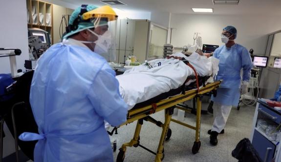 Yunanistan'da COVID-19 ölümleri artıyor