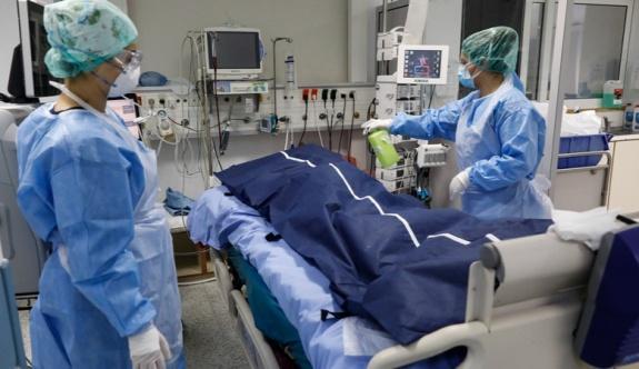 Koronavirüs ölüm seviyesi Haziran ayından bu yana en yüksek seviyede