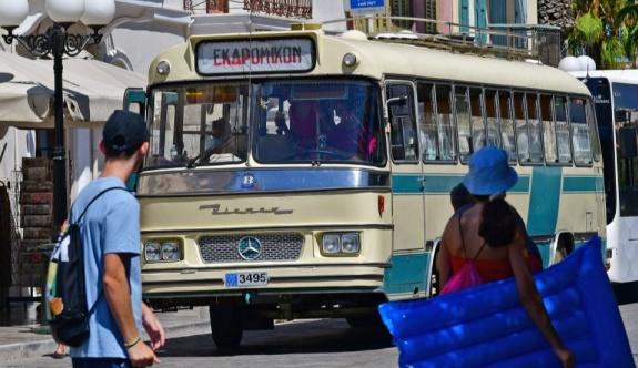 Yunanistan yollarında 1962 model yerli otobüs BIAMAX 495