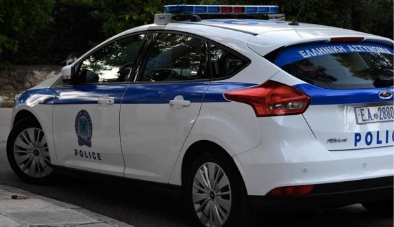 80 yaşındaki kadın dairesinde silah deposu buldu