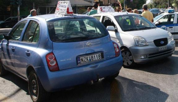 Aşılanmayanlar için sürüş derslerinin maliyeti artıyor