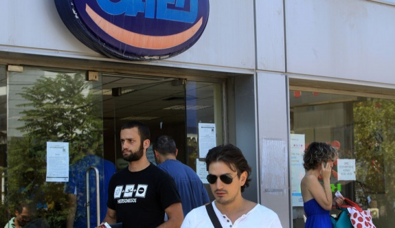 Bakan Georgiadis genç işsizliği azaltma yolunda adımlar atılacağını açıkladı