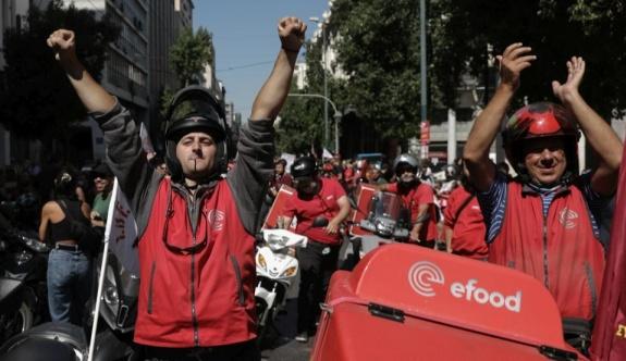 Efood dağıtım işçileri sokaklara döküldü