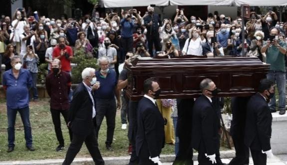 Mikis Theodorakis'in cenazesi Girit Adası'nda gömülecek