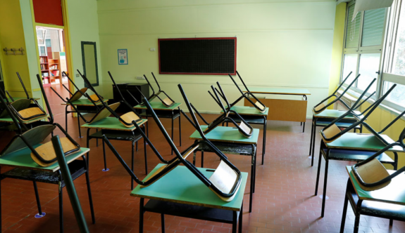 Salgının gidişatına göre okullar tekrar kapanabilir