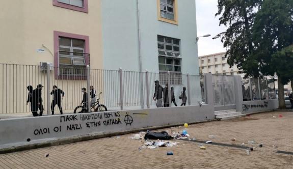 Selanik'te aşırı sağ grup tarafından desteklenen okul protestosunda 5 kişi tutuklandı