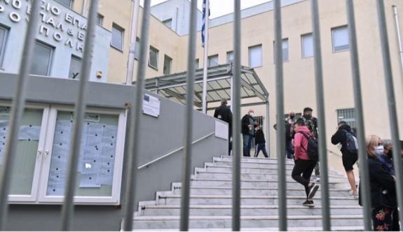 Selanik'te çıkan şiddet olaylarında Altın Şafak bağlantılı 6 genç tutuklandı