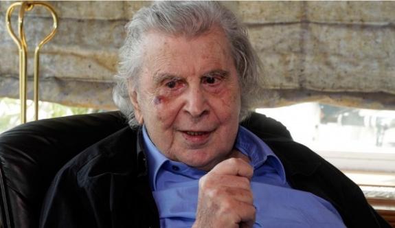 Ünlü besteci Mikis Theodorakis hayatını kaybetti