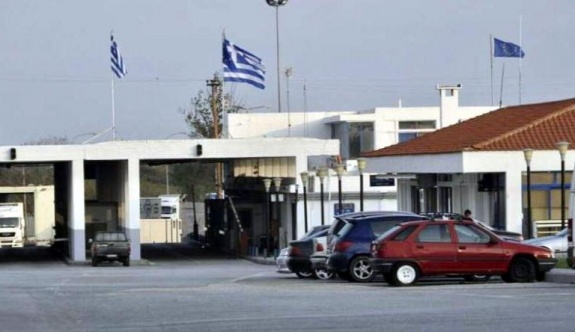 Yunanistan'dan Türkiye'ye geçmeye çalışan 3 kişi yakalandı
