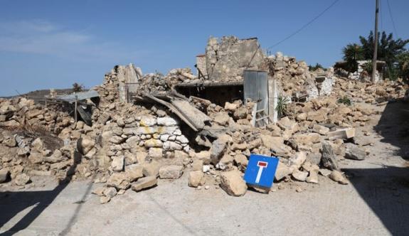 Artçı sarsıntılar Girit'i sallamaya devam ediyor