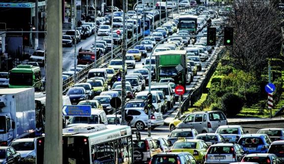 Atina'nın merkezinde trafik kısıtlamaları geri döndü