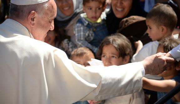 Papa Francis gelecek ay Midilli adasını ziyaret edecek