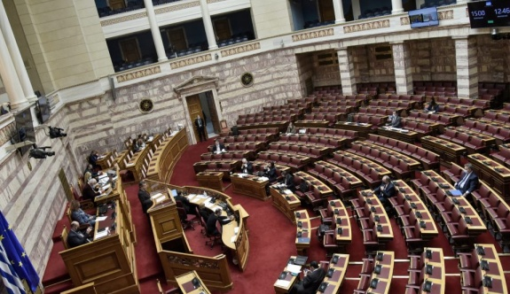 Yunan-Fransız savunma anlaşması mecliste masaya yatırıldı