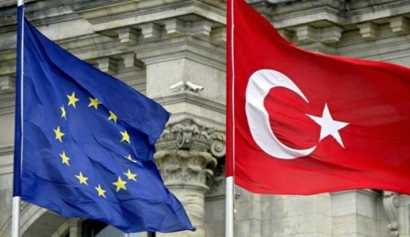 Yunanistan Göç Bakanı AB Türkiye'ye vize serbestisi sözünü tutması gerektiğini söyledi