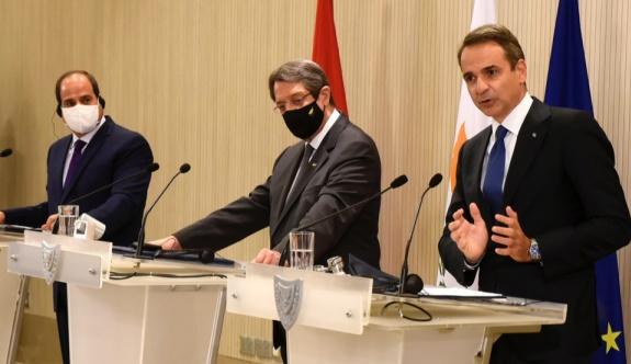 Yunanistan-Kıbrıs-Mısır zirvesi Salı günü Atina'da yapıldı