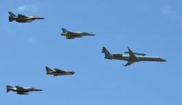 Yunan savaş uçakları kutlama için Üsküp üzerinden uçuruldu