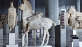 Akropolis Müzesi mülteciler ve göçmenler için özel turlar düzenliyor