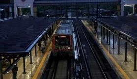 Metro ve tramvay seferleri ve caddeler yeniden açıldı